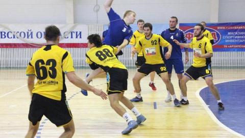 Саратовские гандболисты уступили в первом матче турнира за пятое место
