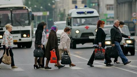 """В Саратове водители сбили двух пешеходов на """"зебре"""""""