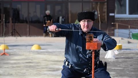 Перед администрацией Заводского района пройдут соревнования по рубке шашкой