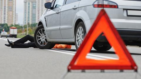 В Саратове под колесами автолюбителей пострадали два человека