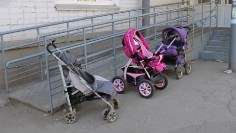 15-летняя саратовчанка похищала детские коляски возле поликлиник