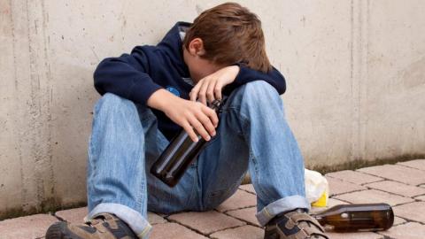 Мужчине грозит шесть лет за спаивание подростка