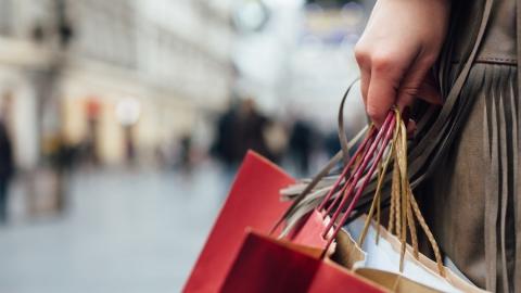 С начала года саратовцы потратили на покупки 108,3 миллиарда рублей