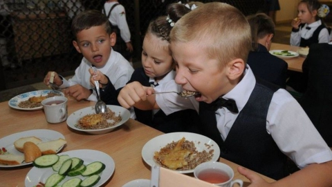 Марксовских школьников кормили некачественной гречневой кашей