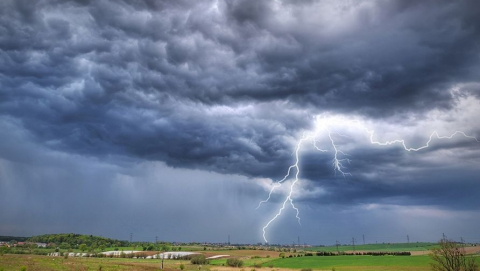 В Саратове возможен дождь с грозой