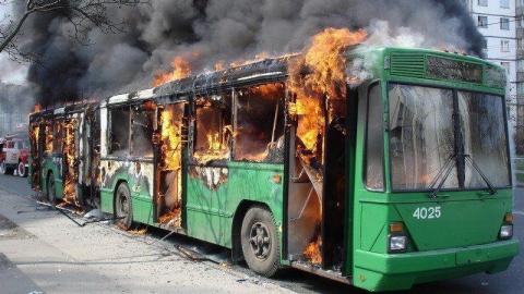 В Вольске горел пассажирский автобус