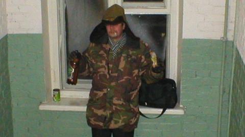 Бомжа заподозрили в краже камуфляжного костюма с дачи вблизи ИК-17