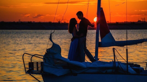 Как провести закат на яхте в Саратове