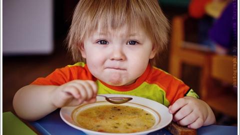 """Открывается """"горячая линия"""" по вопросам детского питания в школе и садах"""