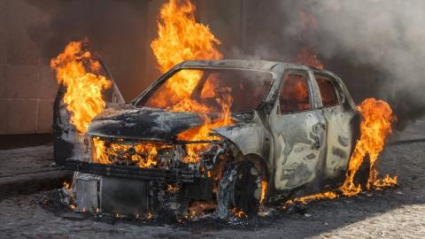 На 2-й Прокатной сгорел автомобиль