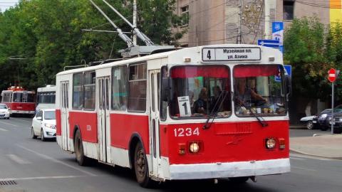 В троллейбусе маршрута №1  упала 88-летняя пассажирка