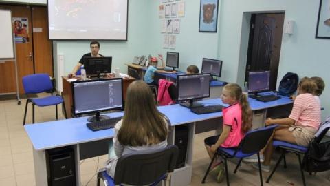 На летние каникулы детворе предложена компьютерная школа