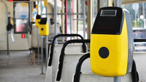 В саратовских трамваях и троллейбусах появится безналичный расчет
