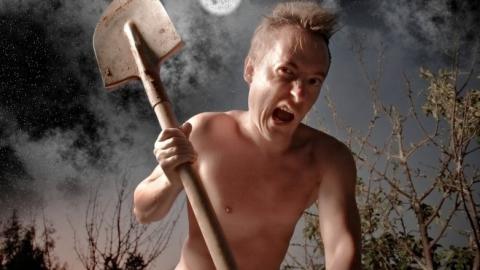 В Перелюбе племянник лопатой зарубил свою тетю