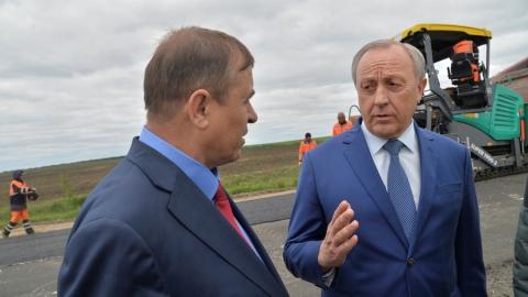 Радаев поручил завершать ремонт дублера Вольского тракта до 1 июля