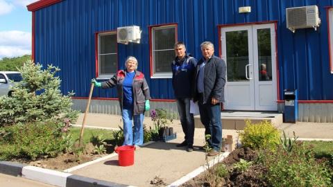 Накануне Дня эколога в Энгельсском Экотехнопарке высадили розы