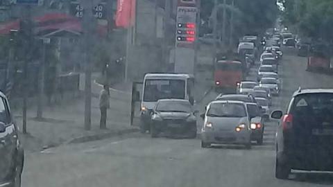 В Саратове встала в пробке улица Соколовая