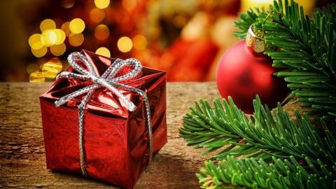 Налоговый инспектор получила взятку в виде новогоднего подарка