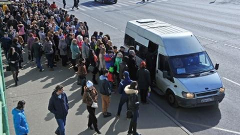 Саратовцы не могут уехать из Солнечного из-за прихода СОБР на автопредприятие