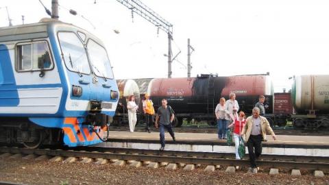 Под Ершовом грузовой поезд задавил мужчину