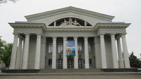 В Саратове закрывают оперный театр