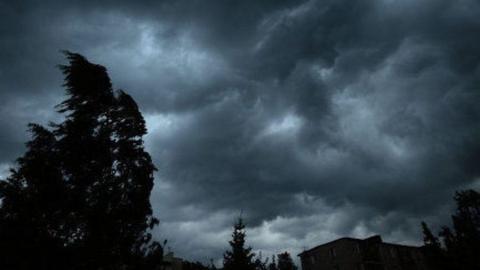 МЧС предупредило о шквалистом ветре и грозе