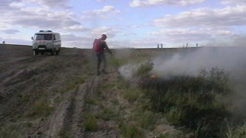Под Аткарском горела трава на пяти гектарах