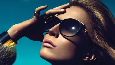 Сеть салонов «Планета оптики» предлагает солнцезащитные очки последних модных коллекций