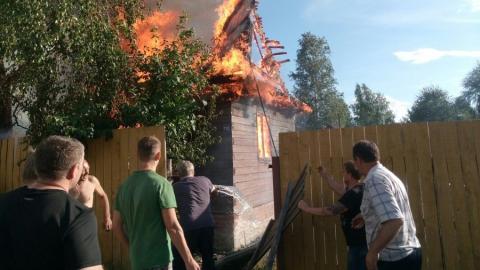 В области за сутки сгорели две дачи