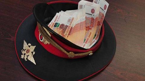 Полицейские вымогали 100 тысяч рублей у двух саратовчанок