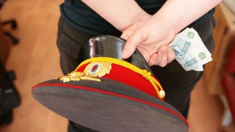 Саратовские полицейские вымогали деньги у женщин под угрозой возбуждения дела о наркопреступлении