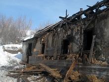 Асоциальная семейная пара ушла из горящего дома босиком
