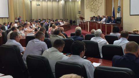 """Володин рассказал дольщикам о """"подпорченных отношениях"""" с депутатами-кураторами"""