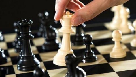 """Женатый на балаковской шахматистке гроссмейстер стал третьим на """"Мемориале Купрейчика"""""""