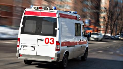 На проспекте Строителей легковой автомобиль сбил престарелую женщину