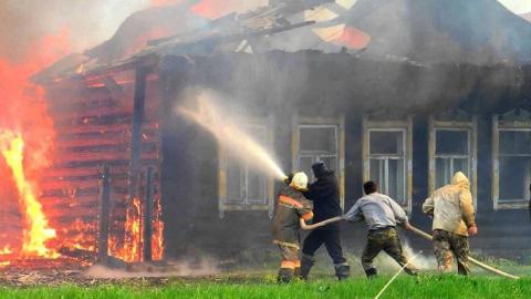 Ночью в Подстепном сгорел жилой дом