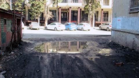 Администрация обещает отремонтировать двор на улице Вавилова