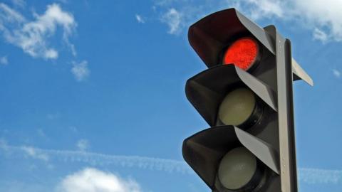 В центре Саратова заменят 84 светофора