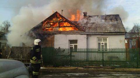 Вчера в Саратовской области сгорел дом и прицеп с сеном