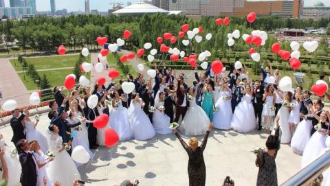 В Саратове впервые пройдет свадебный парад