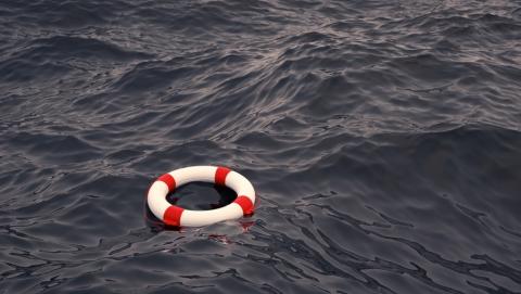 СУ СКР: Парень опрокинулся с резинового круга и утонул