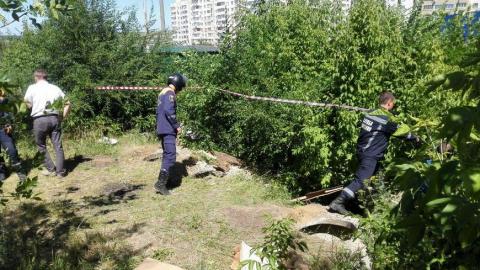 На Топольчанской спасатели вытащили из колодца школьника