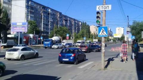 Из-за аварии парализовано движение по улице Тархова