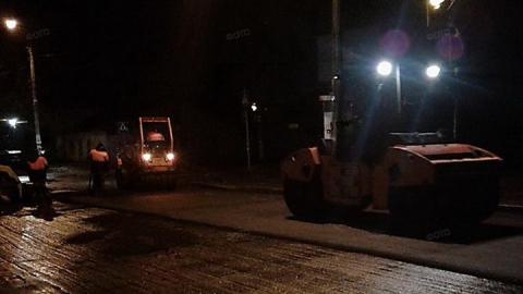 Ночью в трех районах Саратова будут менять асфальт