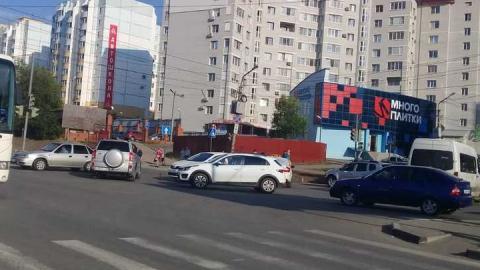 В Саратове попало в аварию такси «Метро»