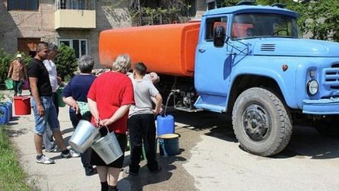 Горожанам организован подвоз воды в зону отключения