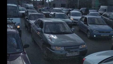 Авария на Тархова заблокировала выезд из Саратова