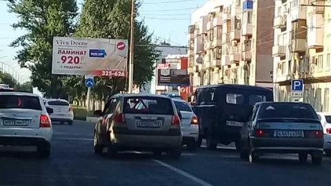 На проспекте Строителей столкнулись «Kia» и «Skoda»