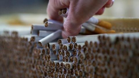 Саратовцам будут платить за доносы на нелегальных торговцев сигаретами
