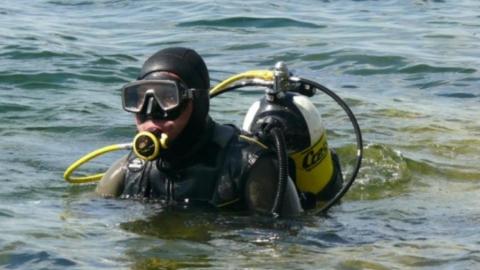 В Вольске водолазы третьи сутки ищут утонувшую девочку